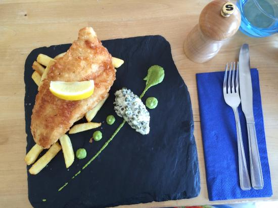 Three Buoys Restaurant: Gin battered fish and lemon salted chips, minted pea puree, caper and gherkin mayonnaise