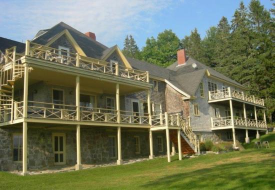 Sullivan, ME: The Acadia Bay Inn