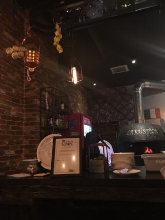 LA RUSTICA Pizzeria