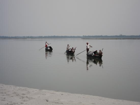 RuKmini Island: Local fishermen