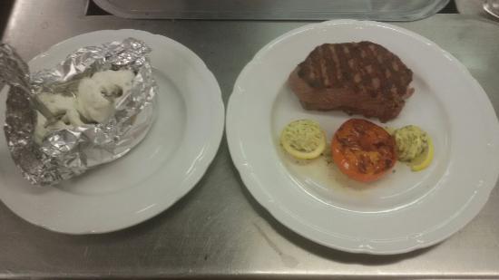 Pasewalk, Alemania: Vorspeise und Steak