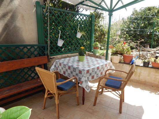 Korcula Island, Croatie : 1-bedroom apartment outside sitting area
