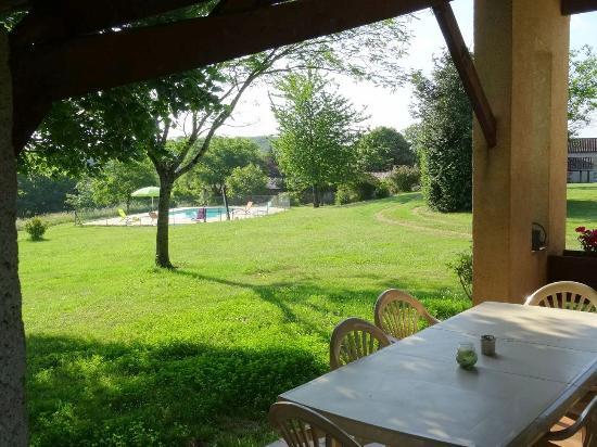 Montagnac-sur-Lede, France : Le séjour avec la cheminée