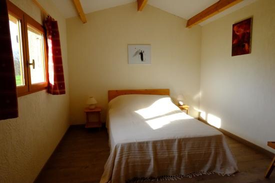 Montagnac-sur-Lede, France : La chambre avec un grand lit