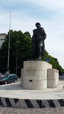 Monumento Al Generale Giardino