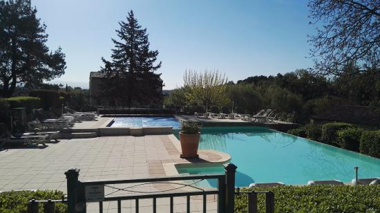 Forcalquier, Francia: The Pool Area