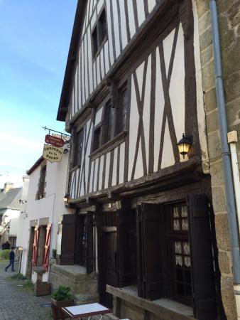 La Roche-Bernard, França: Freundliche und zuvorkommende Bedienung. Die Gallettes waren einzigartig im Geschmack aber auch