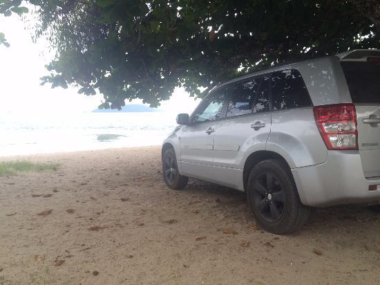 Cacandoquinha Beach: Pé e carro na areia!