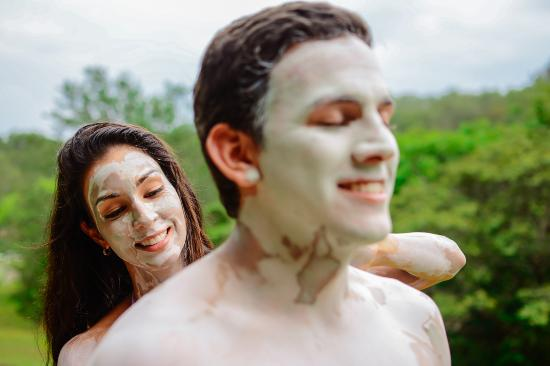 Rincon de La Vieja, Costa Rica: Exfoliate your skin with Volcanic Mud