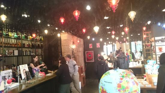 Interior tienda  fotografía de El Bosc de les Fades b59f5ddf3524