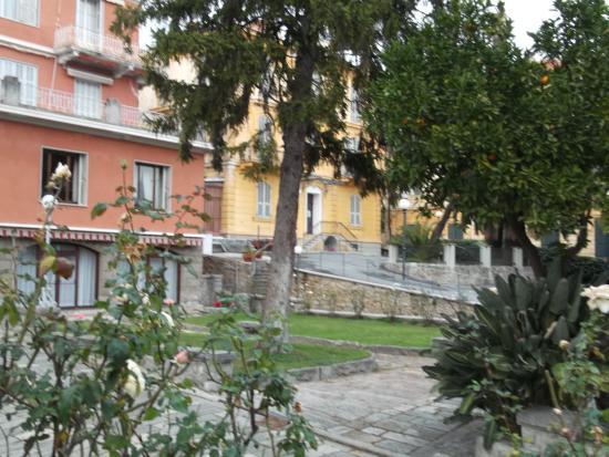 Villa Maria : esterno con piante