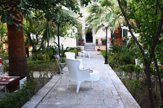Villa Liberty Resort: ingresso