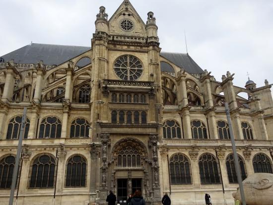 París, Francia: Exterior of St-Eustache
