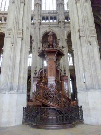 París, Francia: Detail of Church Interior