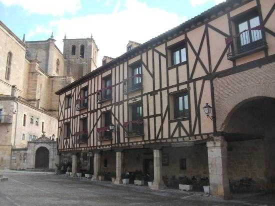 Casco Histórico: Half timbered buidlings and the cathedral