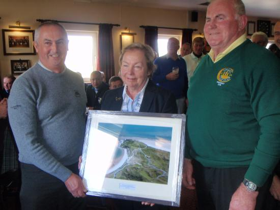 Callan Lady vice and club President receive photo from Porthmadog GC Captain B.P.Williams