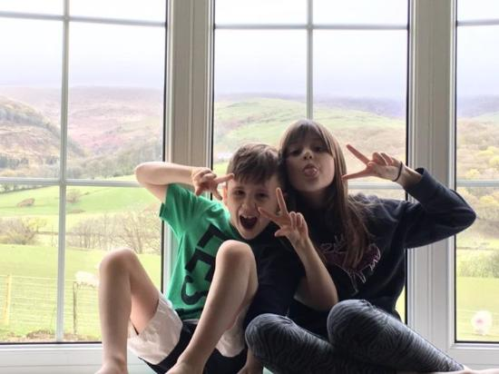 Plas Talgarth Holiday Resort: Kids in the bungalow.  Great view