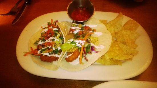 Houlihan's: Fish Tacos with Salsa and Warm Chips