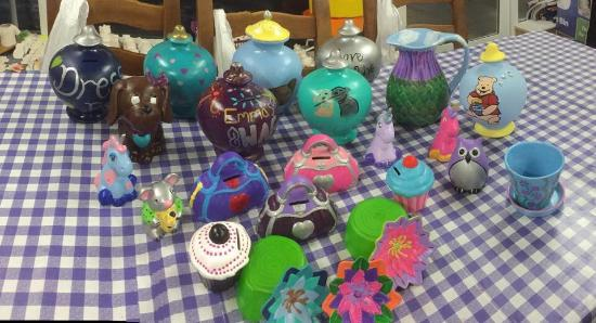 Kilwinning, UK: Just some of the ceramics and activities available in Artastic 💕