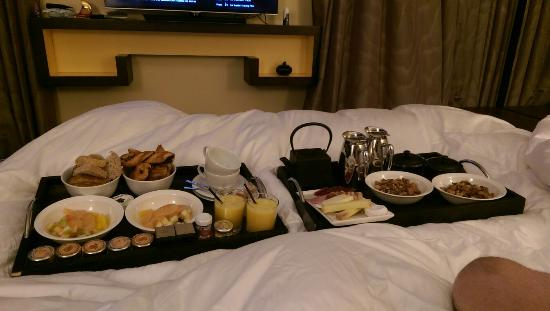 Eastwest Hotel: IMAG8501_large.jpg