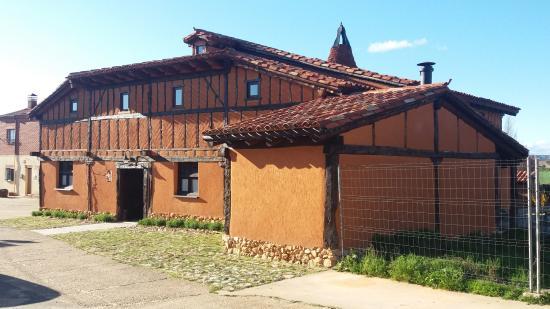 Valdemaluque, Spain: Casa tipica de la zona , edificada en adobe