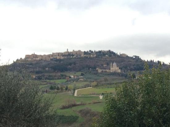 Agriturismo Villa Mazzi: View of Montepulciano from the property