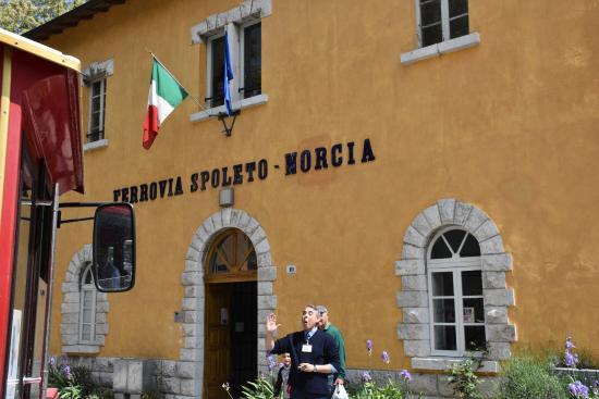 Spoleto, Italien: Il fabbricato dell'ex stazione ora sede del museo