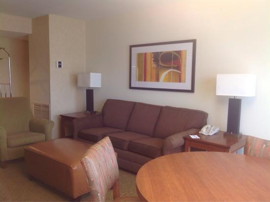Drury Inn & Suites Atlanta Marietta: King suite