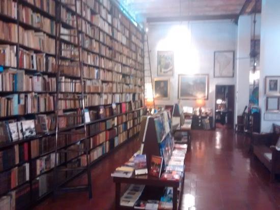 Libreria Linardi y Risso