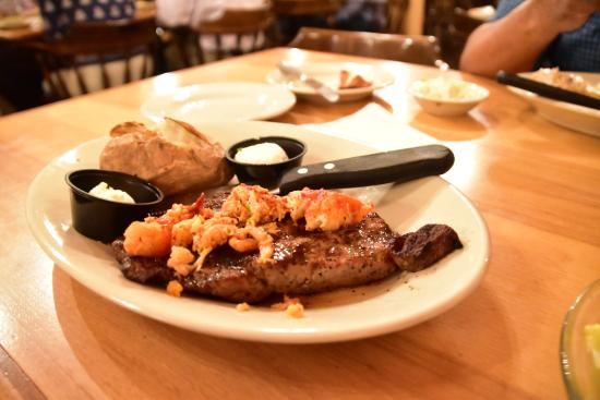 Waterville, ME: Steak and Lobster meat!