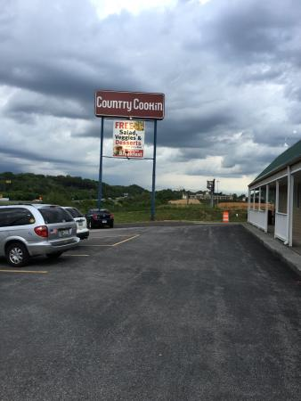 Troutville, VA: Country Cookin'
