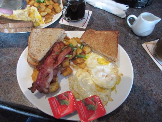 Coquitlam, Canada: Bacon & Eggs