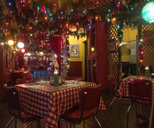 Monjunis Italian Restaurant Photo1 Jpg