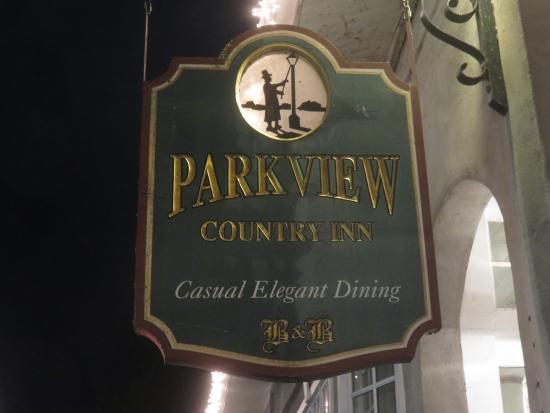 Parkview Country Inn: Outside.
