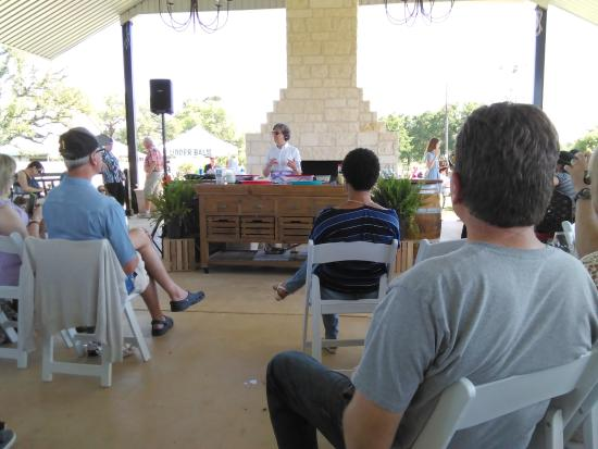 Stonewall, Teksas: Cooking with Lavender demonstration.