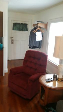 Sky Harbor Bavarian Inn: Pictures of/from the Sky View Suite. We had a wonderful stay!