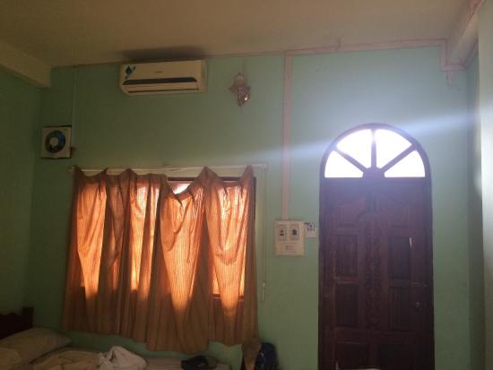 Easy Go Backpacker Hostel: photo1.jpg