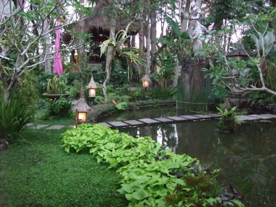 Villa Puri Darma Agung : Garden
