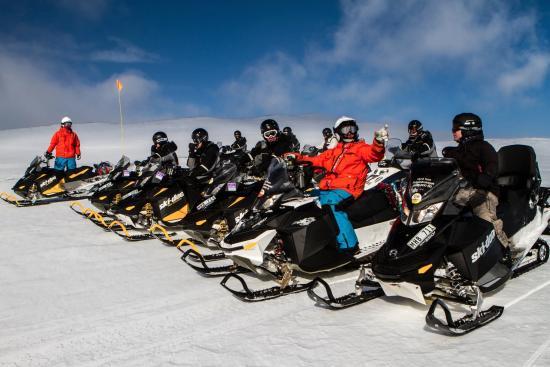 Frihetsbolaget Snow Mobile Tour