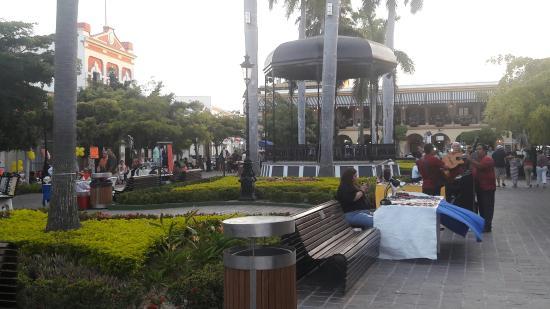 The Palms Resort Of Mazatlan: 20160430_192116_large.jpg
