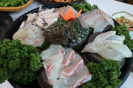 Twins Sashimi Restaurant