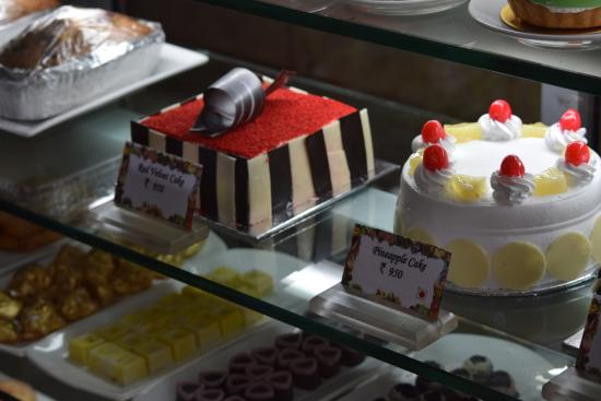 Lord William Tea Lounge: such amazing cakes