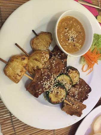 Loving Hut: tasty v-kebabs