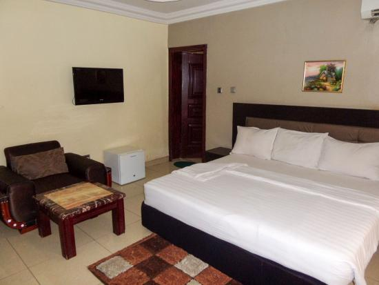 Regia Luxuria Hotel and Suites
