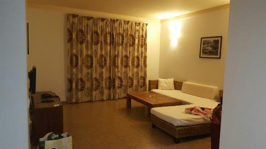 Apartamentos Gema Aguamarina Golf: 20160430_205505_large.jpg