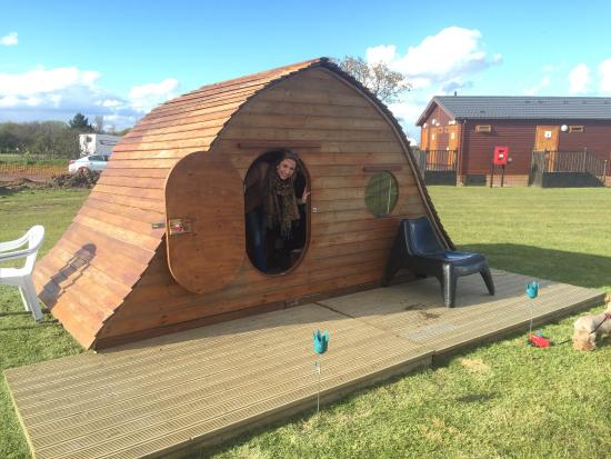 Kessingland, UK: Loved this place!! Loads of space outside and inside the pods. Wardens couldn't be more helpful