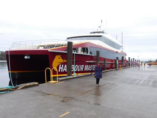 "Strahan, Austrália: The all new ""Harbour Master"" of world heritage Cruises"