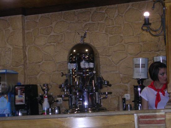 Каравака-де-ла-Крус: ресторан – Барбекю