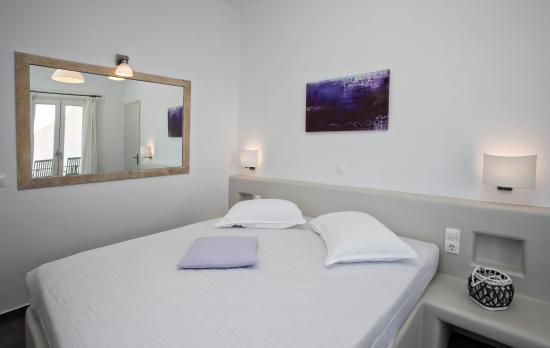 Porto Raphael Residences & Suites: ROOM