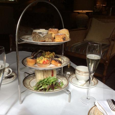 Gilpin Hotel & Lake House: Afternoon tea